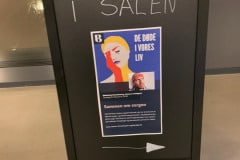 På biblioteket i Sønderborg var der tema-aften om sorg i forbindelse med visningen af udstillingen 'De døde i vores liv'