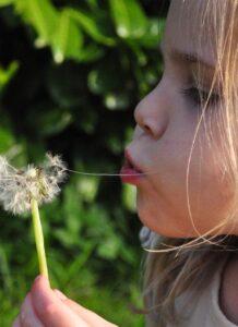 De voksne, som arbejder med børn, kan ofte møde børn, der har mistet.
